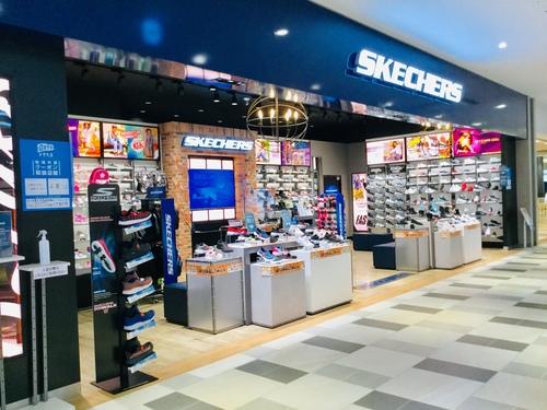 SKECHERSの画像